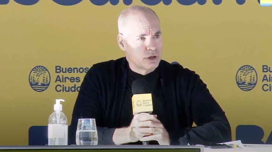 El jefe de Gobierno porteño, Horacio Rodríguez Larreta, haciendo anuncios sobre cuarentena.