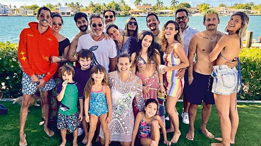 La familia Montaner pasa la cuarentena en Miami