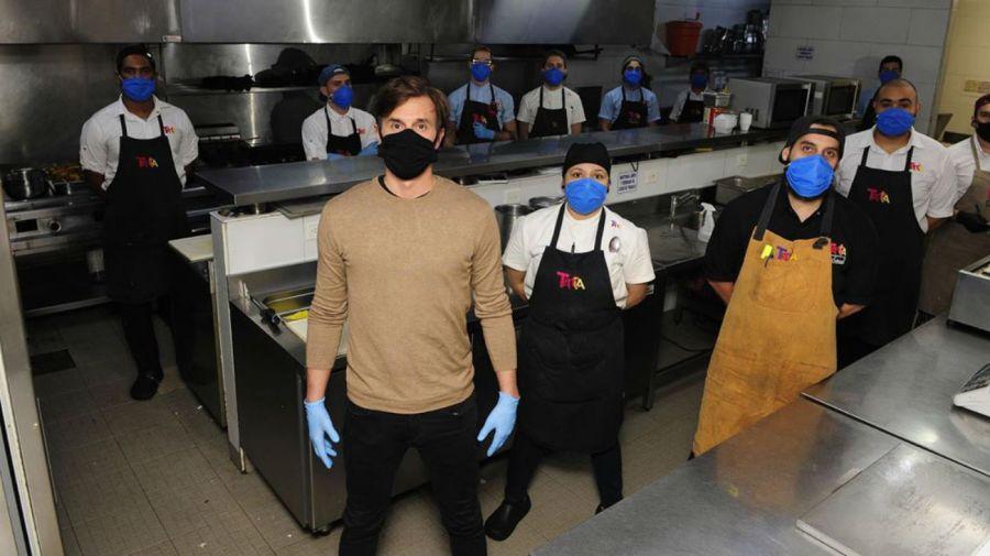 Roberto Garcia Moirtan y su equipo gastronómico