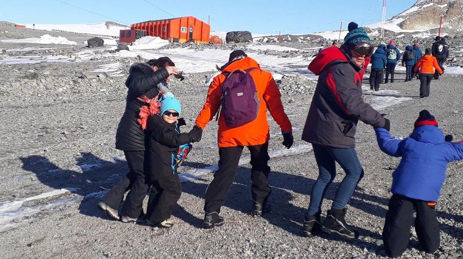 Escuela en la Antártida 20200519