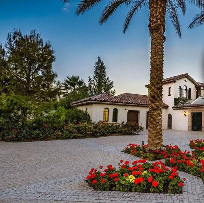 Por la pandemia, Sylvester Stallone vende su increíble mansión