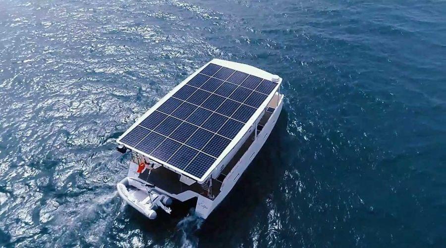 2605_catamaran_electrico