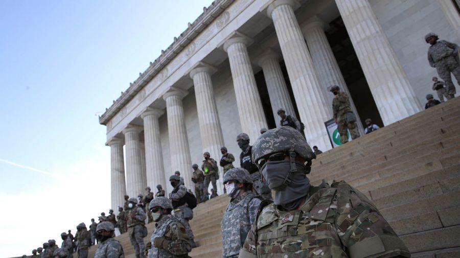 monumento a Lincoln blindado por la Guardia Nacional 20200603