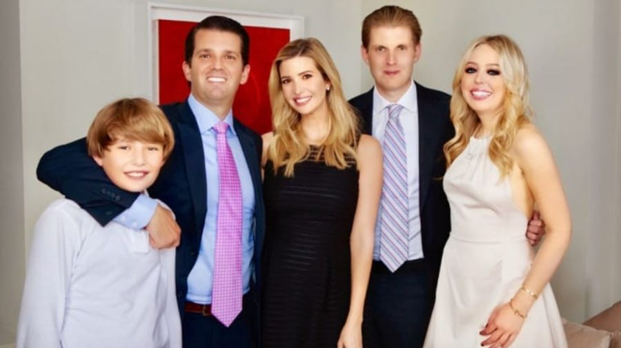 Tiffany Trump junto a sus hermanos