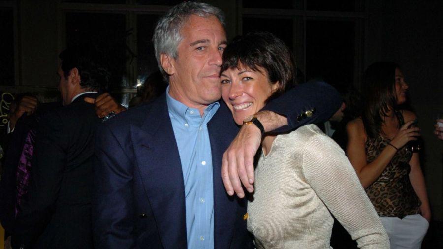 La pareja se mostró unida hasta poco antes del encarcelamiento de Epstein.