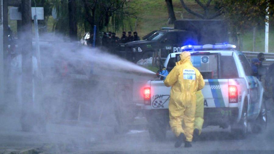 Berni encabezó desinfección y llevó más policías en la zona de Villa Madero, La Matanza.
