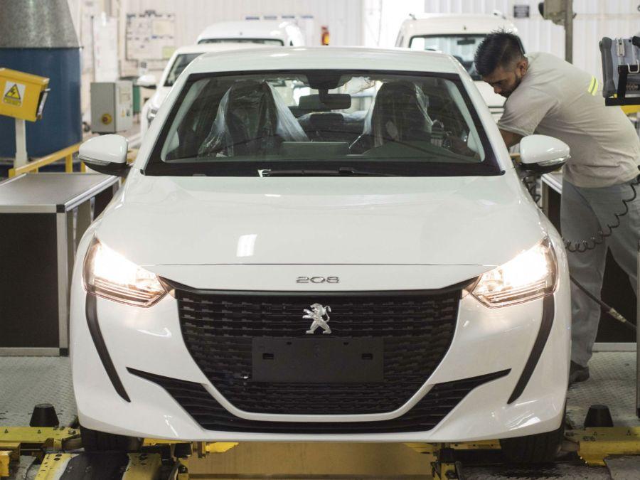 Cómo es y cómo se fabrica el Peugeot 208 nacional