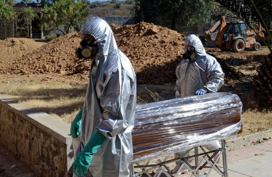 Cementerios desbordados en Bolivia