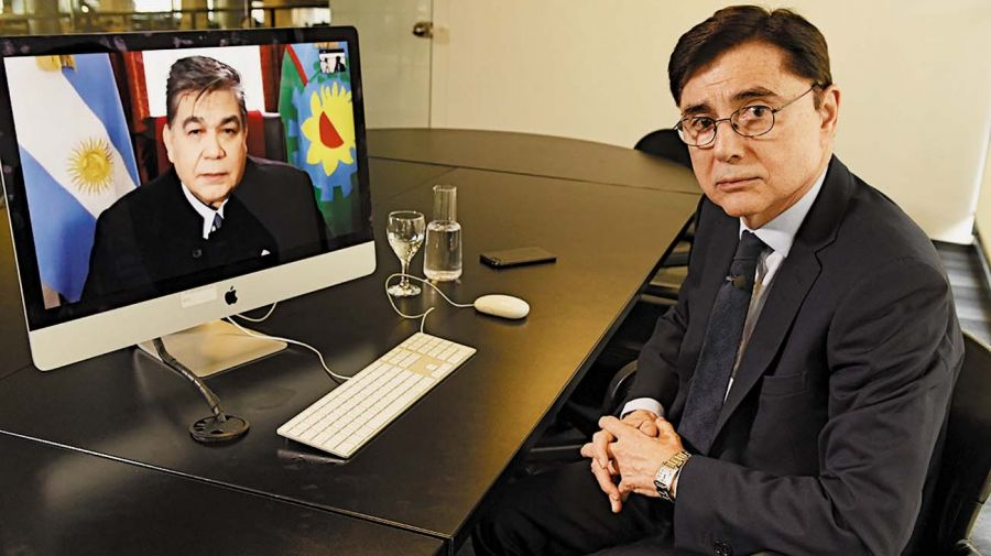 El intendente de José C. Paz, Mario Ishii, en la entrevista con Jorge Fontevecchia.