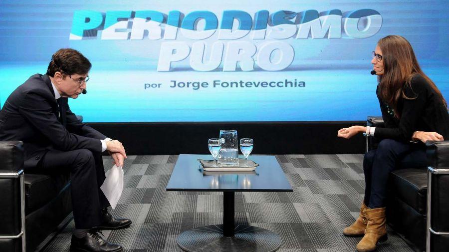 La ministra Elizabeth Gómez Alcorta, en la entrevista con Mabel Bianco, Diana Maffía, Paulina Maldonado y Jorge Fontevecchia.