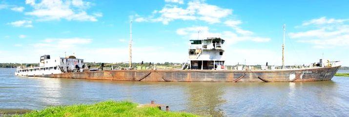 0907_rio_parana_barco_hundido