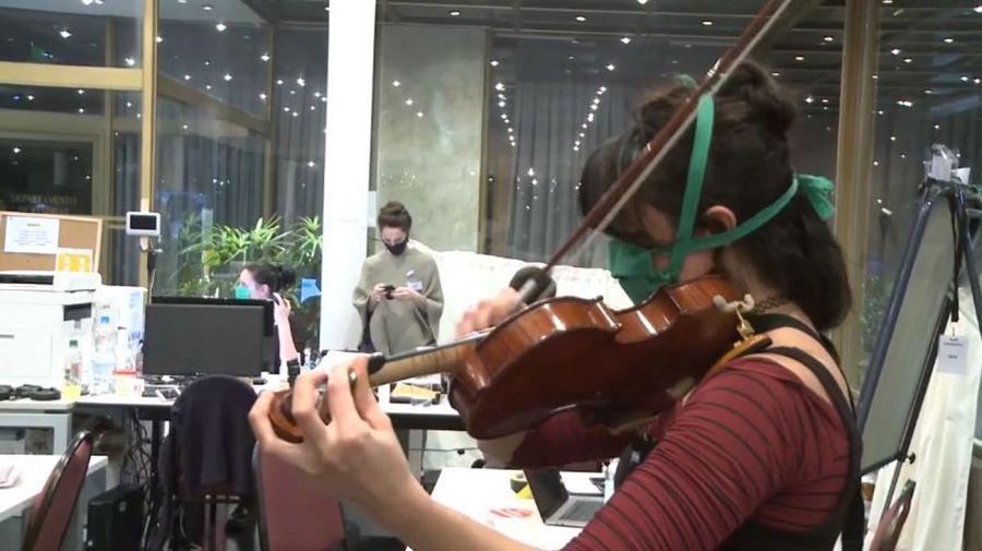 artistas del teatro colon trabajando en hoteles. con contagiados 20200715