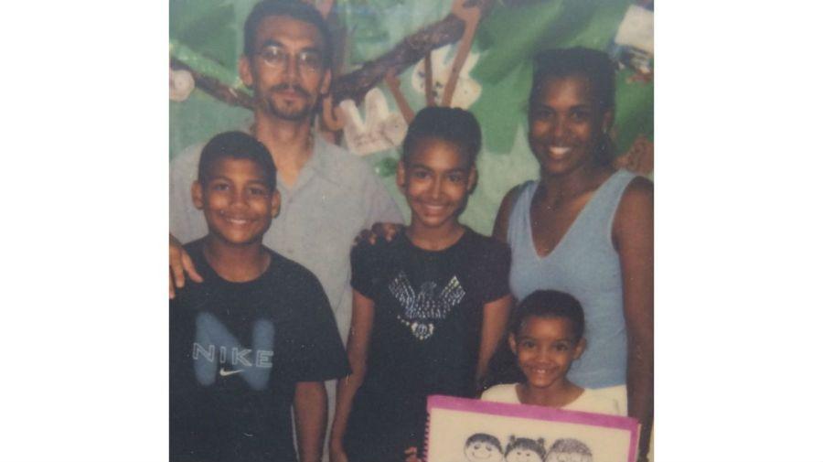Naya Rivera, sus padres Yolanda y George, y hermanos Mychal y Nickayla