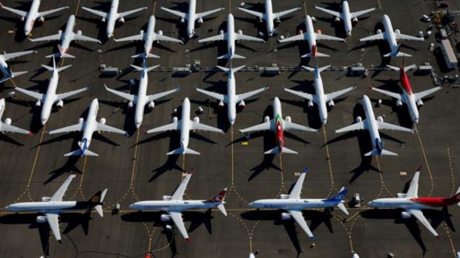 2107_aviones_en_tierra