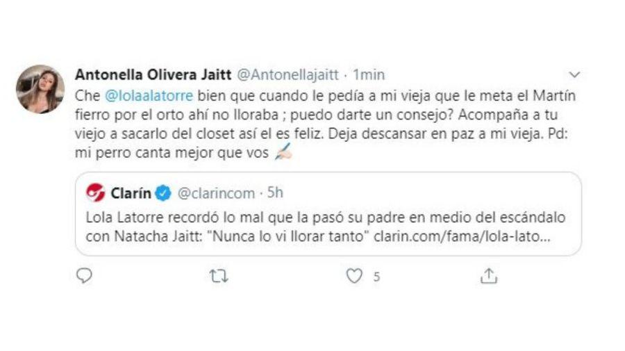 Antonella Olivera contra Lola Latorre
