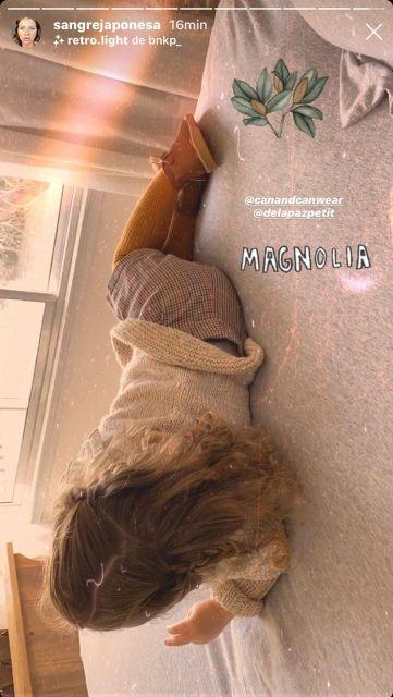 Así cuida Magnolia Vicuña a Amancio, su hermanito recién nacido