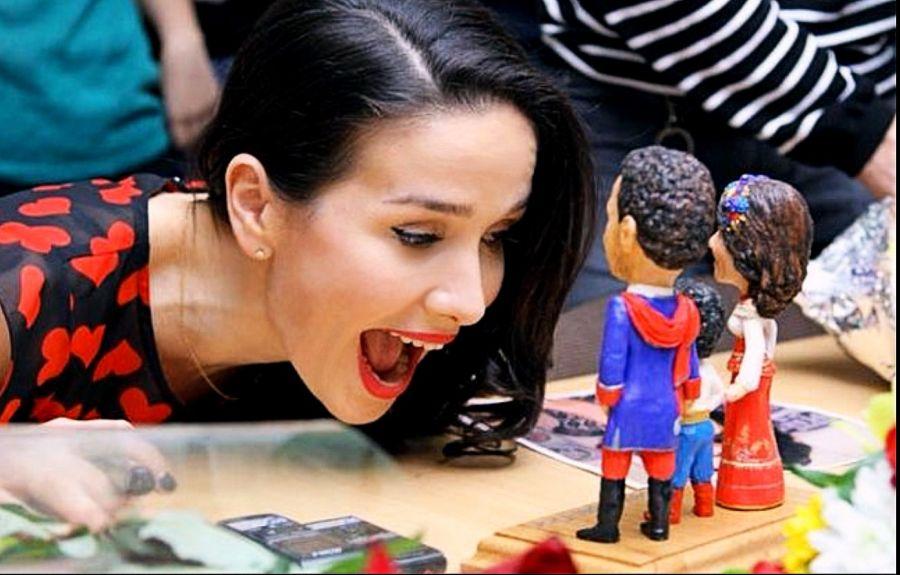 Souvenir muñequitos de Natalia Oreiro y su familia