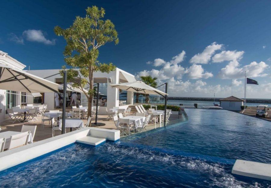 FOTOS   El rey Juan Carlos I dejó España para instalarse en un lujoso resort de República Dominicana