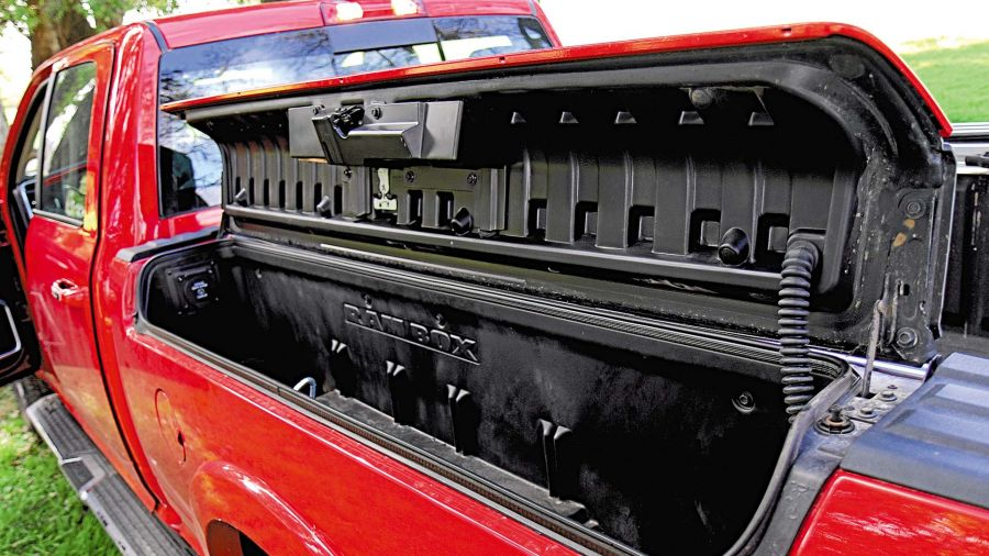 RAM 2500 LARAMIE 4X4