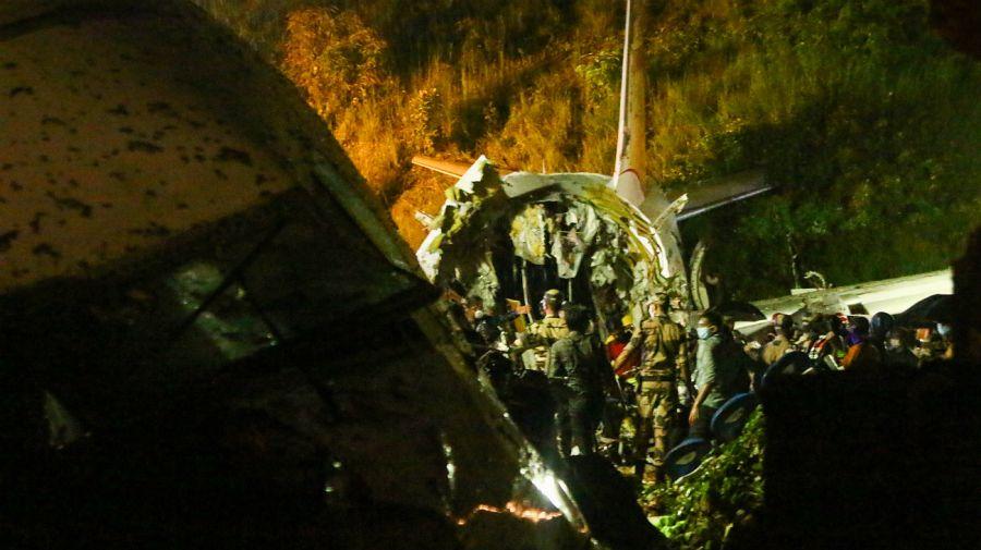 Tragedia aérea en India. 17 personas murieron.