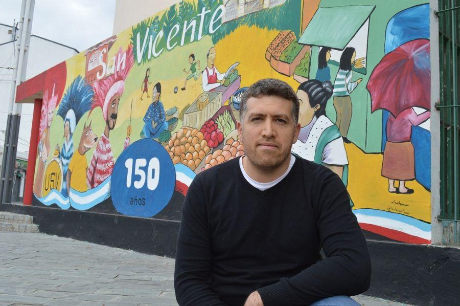 Lucho Luna muralista