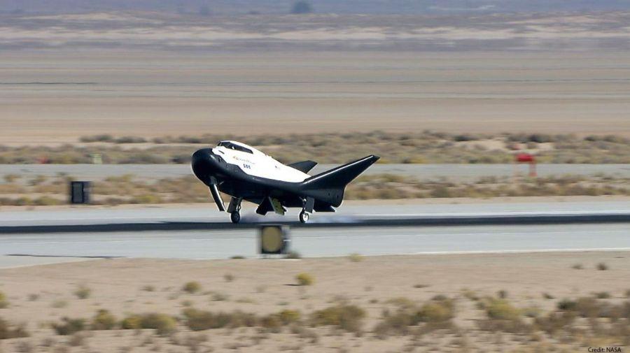 1808_tenacity_avion_espacial