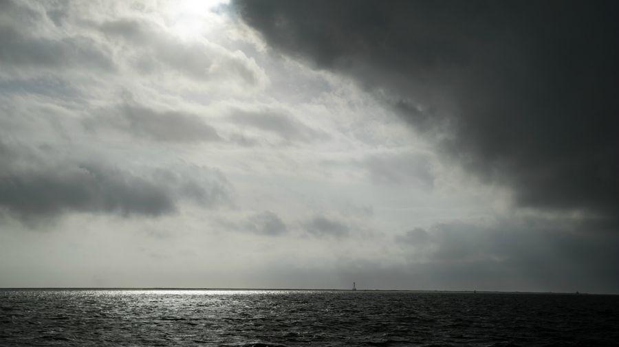 El huracán Laura avanza a paso veloz hacia las costas de Estados Unidos.