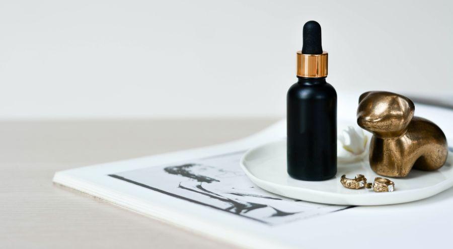 Todas las diferencias entre el aceite y el serum