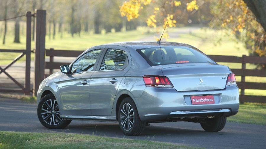 [Actualité] Groupe PSA - Page 28 Peugeot-301-1013305