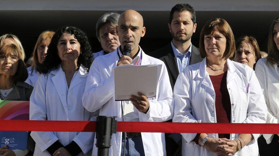 Archivo. Carlos Kambourian, ex director del Hospital Garrahan, en momentos en que denunciaban públicamente al gremio UPCN.