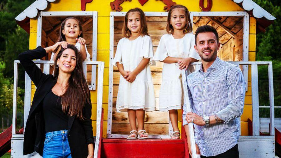 Cinthia Fernandez y Matias Defederico y sus hijas
