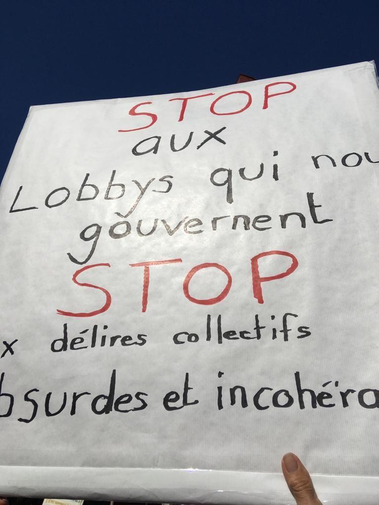 Las postales que dejó la marcha contra las máscaras anti-covid19 este sábado 12 de septiembre en Ginebra, Suiza.