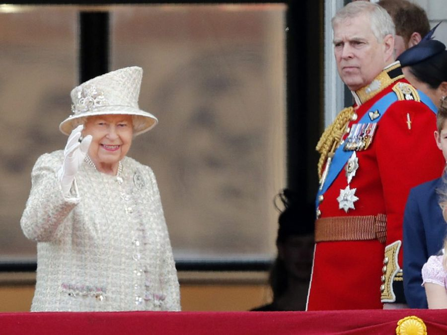 El príncipe Andrés, es prohibido por Isabel II en una importante celebración familiar