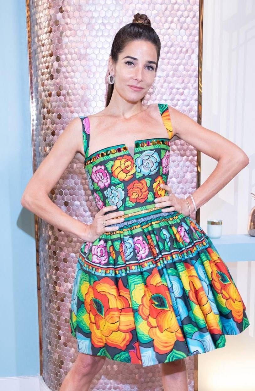 Juana Viale sorprendió con un look primaveral