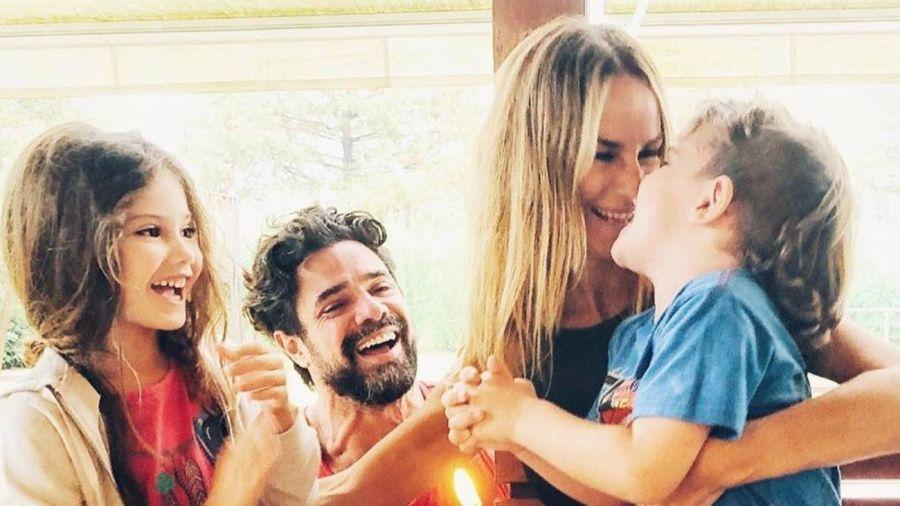 Sabrina Rojas y Luciano Castro y sus hijos