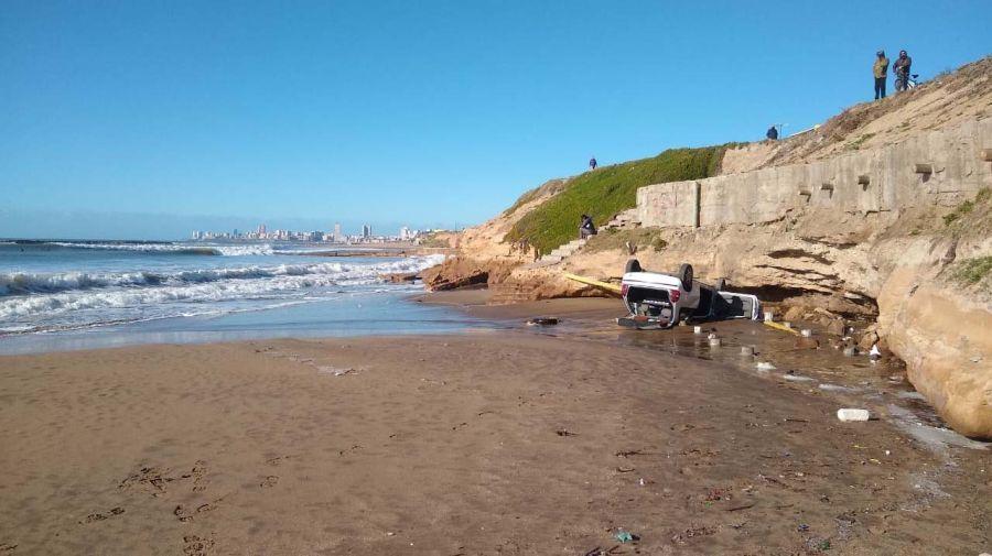 auto acantilado mar del plata