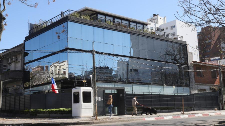 El inmueble que Mascherano alquiló a la embajada de Chile en Uruguay