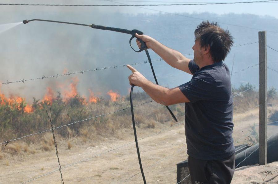 Damian De Santo combatió el incendio