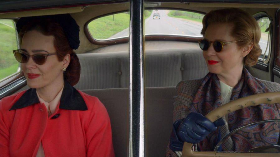 Mildred Ratched (Sarah Paulson) y Gwendolyn Briggs (Cynthia Nixon)