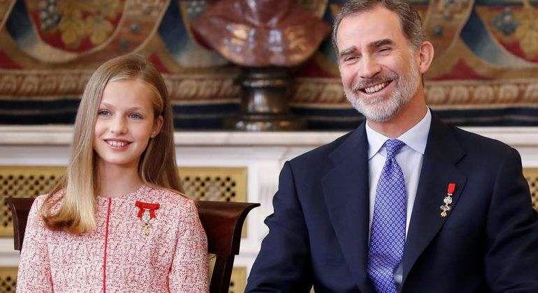 La Princesa Leonor rompió una norma protocolar con la bendición del Rey Felipe