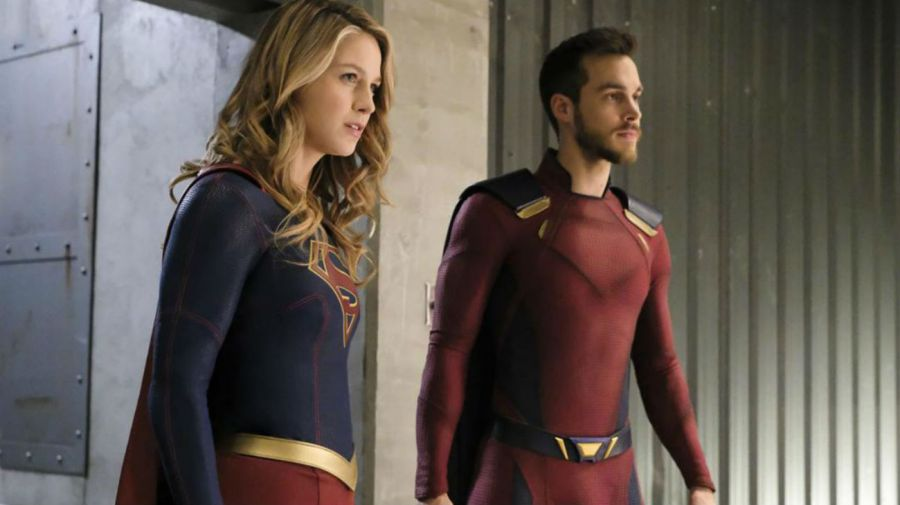 Melissa Benoist y Chris Wood en Supergirl