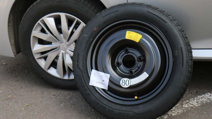 Chevrolet Onix LT Tech 1.2 vs Peugeot 208 Like 1.2