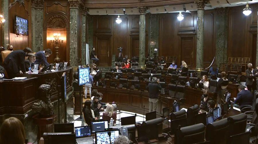 sesión de Legislatura 20201008