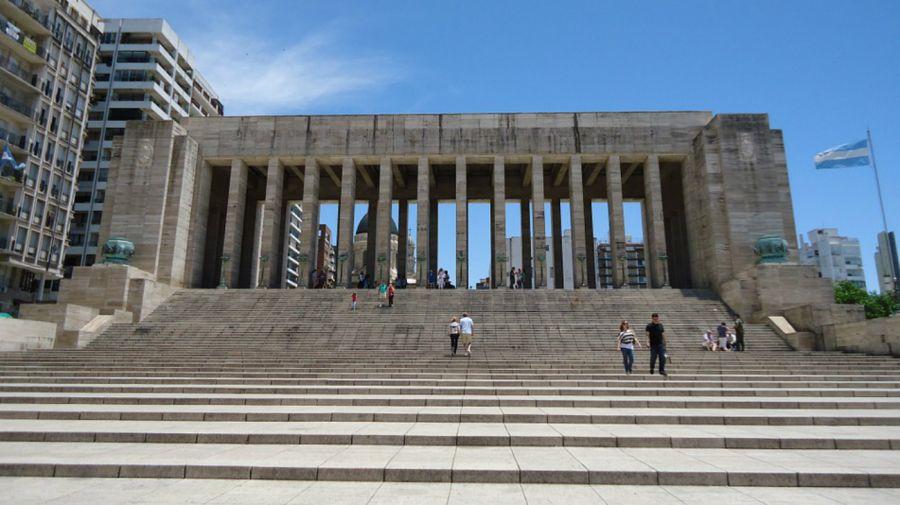 Monumento a la Bandera: denuncian que las obras por $ 150 millones quedaron en la nada