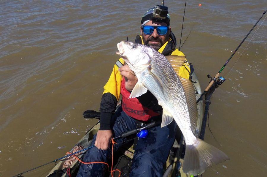 1610_kayak_fishing_berisso
