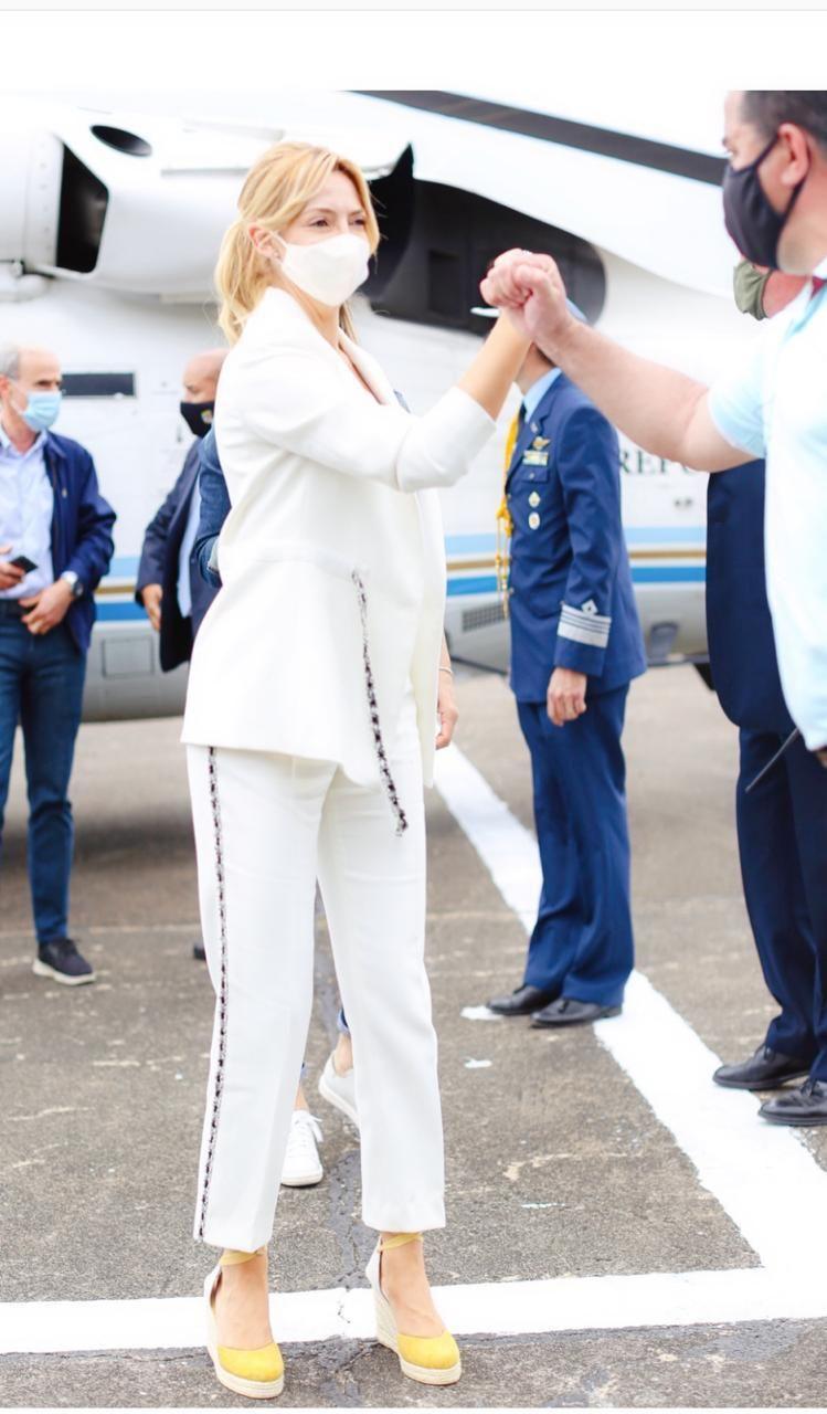 Fabiola Yáñez sorprendió con su look en el acto del Día de la Lealtad