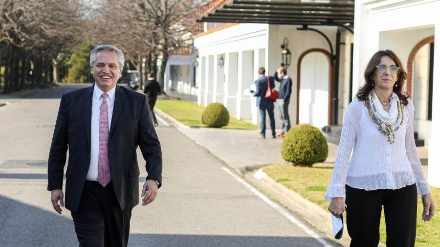 El presidente Alberto Fernandez y la ministra de Desarrollo Territorial y Hábitat, María Eugenia Bielsa, en el relanzamiento del programa Procrear.