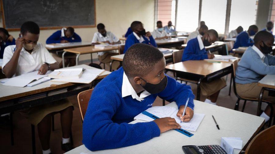 Regreso aClases en Rwanda 20201102