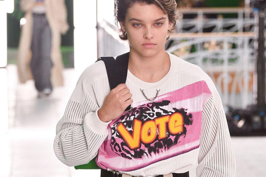 Louis Vuitton y su mensaje de Vote en uno de sus diseños