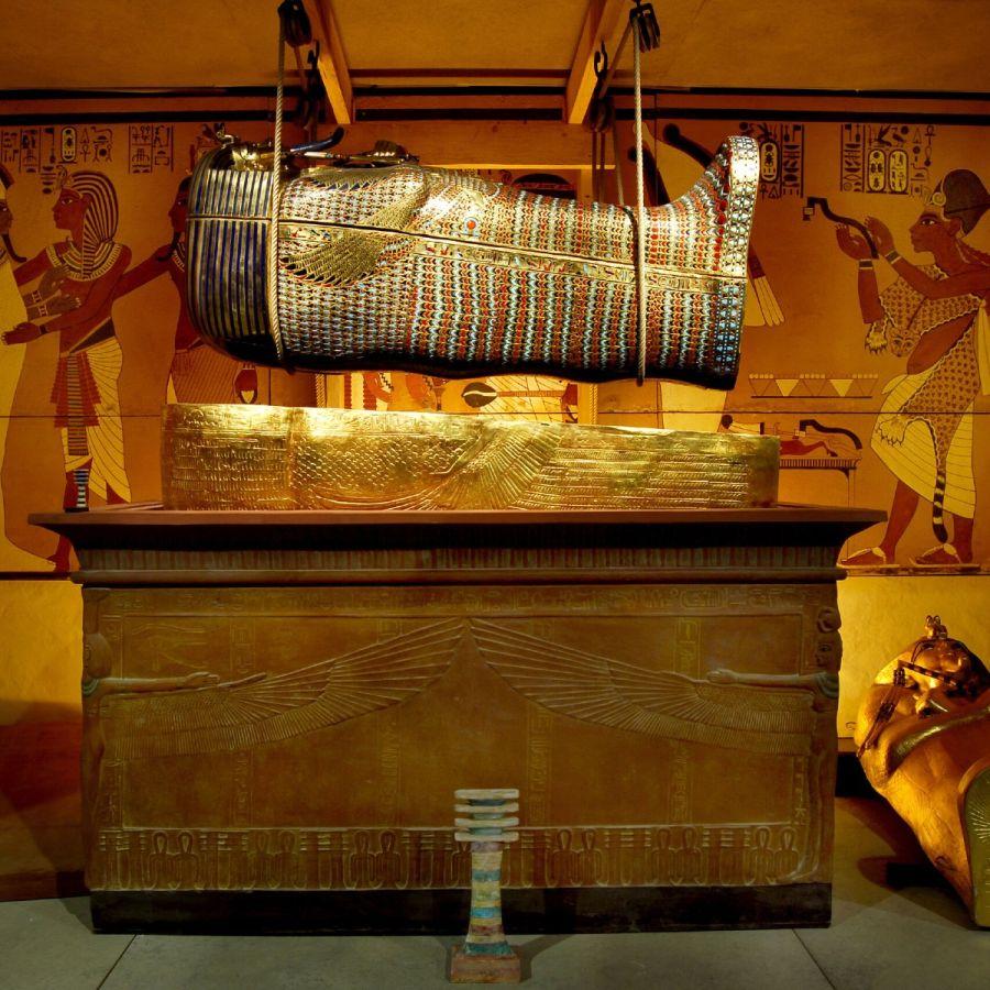 1104_tutankamon